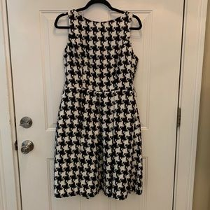 Black & White Houndstooth Dress with Pockets 12